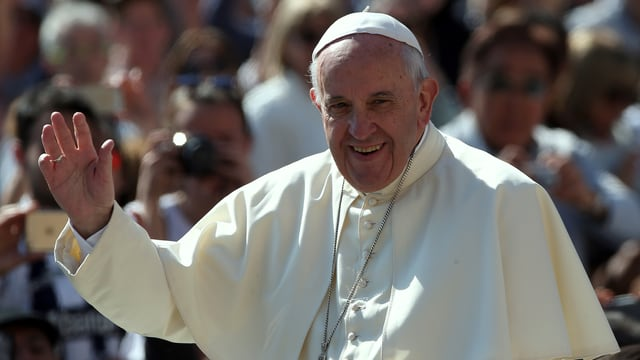 Il papa Francestg che vegn undrà oz cun il premi Karl