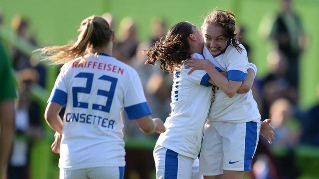 Siegespose der FCZ-Frauen (hier auf einem Archivbild aus der Meisterschaft).