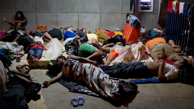 Fugitivs vid durmir giun plaun en la Costa Rica.