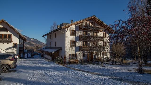 Purtret dal hotel Ucliva a Vuorz.