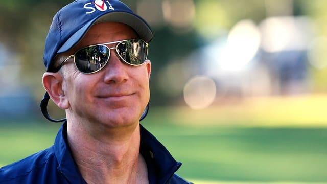 Bezos mit Sonnenbrille