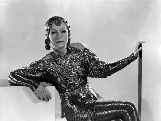 Greta Garbo als Mata Hari