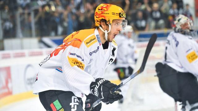 Julien Springer auf dem Eis.