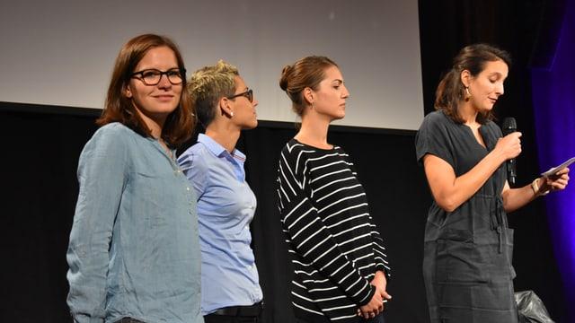 Da san.: Natalia Tuor, Corina Schmed, Laura Decurtins Rosset e Sereina Nay.