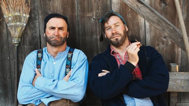 «Not amused» übers Programm: Die Bauern Pesche (René Rindlisbacher) und Kevin (Sven Furrer).