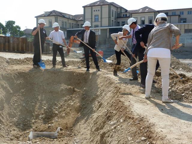 Der Grundstein für das neue Bettenhaus am Spital Burgdorf ist gelegt.