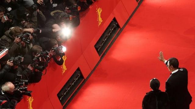 Jury-Präsident Wong Kar Wai auf dem roten Teppich.