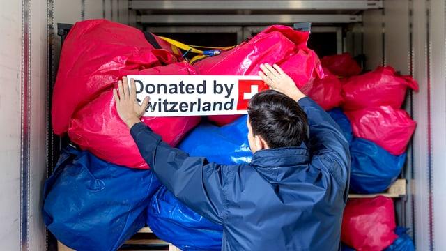 Hilfsgüter aus der Schweiz unterwegs in den Irak.