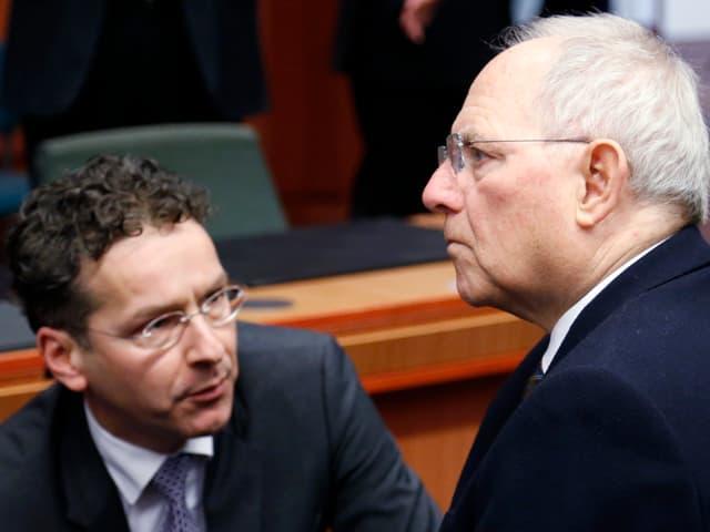 Schäuble und  Dijsselbloem nebeneinander.