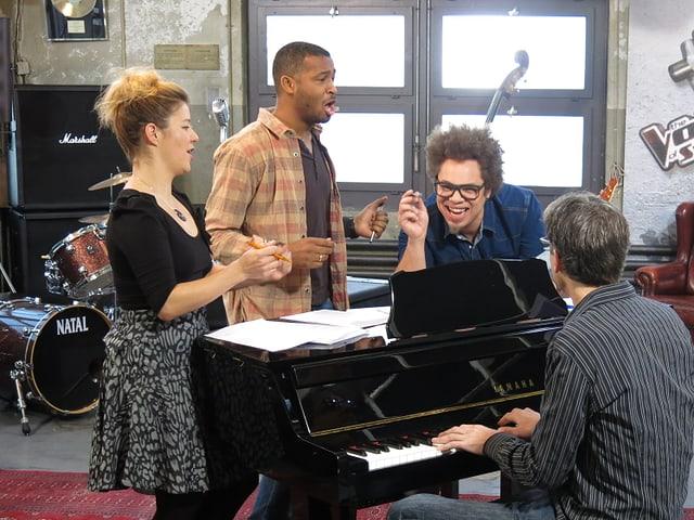 Sékou, Marc Sway und ein Pianist bei der Probe.