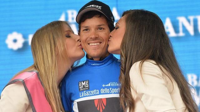Etappensieger Julian Arredondo bei der Siegerehrung.