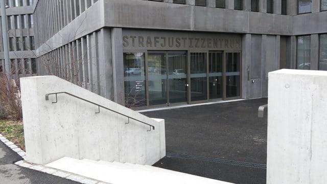 Strafjustizzentrum Muttenz von aussen.
