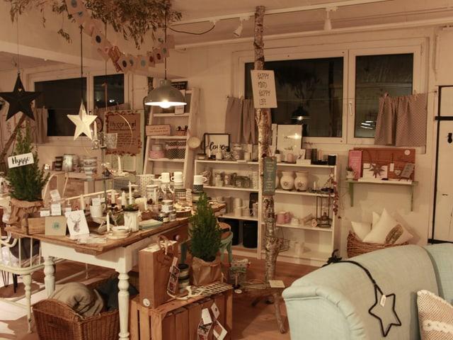 Im Laden von Stefanie Riwar gibt es ganz viele kleine Dinge zum kaufen und entdecken