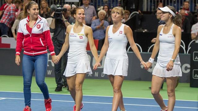 Belinda Bencic, Viktorija Golubic, Timea Bacsinszky und Martina Hingis bilden das Schweizer Fed-Cup-Team.