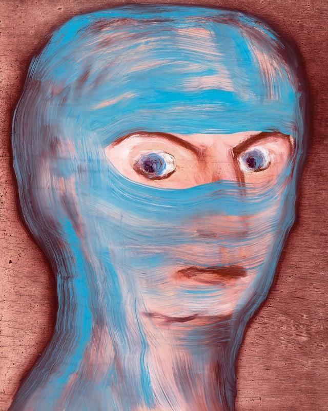 Porträt einer Frau, die aussieht, als trage sie einen blauen Schleier.