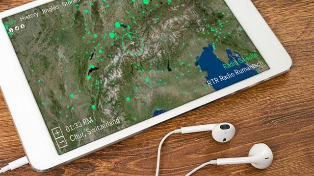 Eine Weltkarte auf einem Tablet.