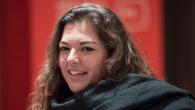 Video «Juso-Chefin Tamara Funiciello bei Schawinski» abspielen