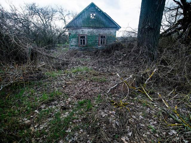 Verlassenes Haus in Karpylivka. Das Dorf lag nicht weit vom Unfallreaktor entfernt.
