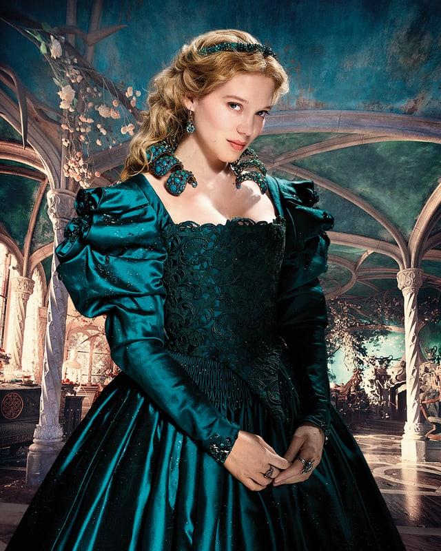 Seydoux als Belle im grünen Kleid