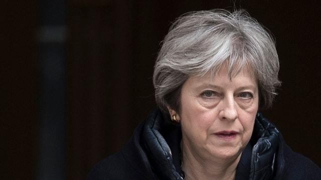 purtret da la primministra britannica Theresa May