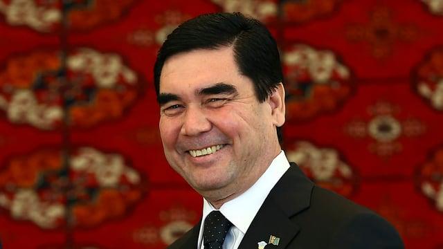 Lachender Gurbanguly Berdimuhamedow.