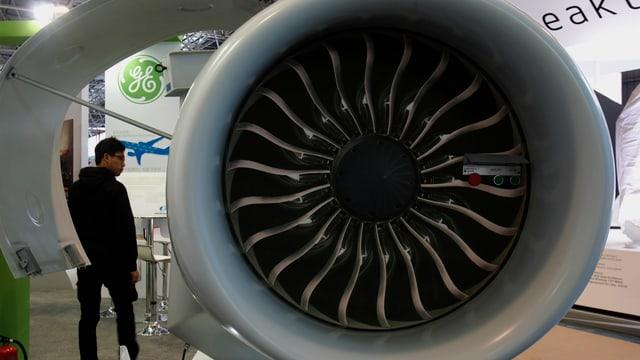 Modell eines Flugzeug-Triebwerks auf einer Luftfahrt-Ausstellung in China.