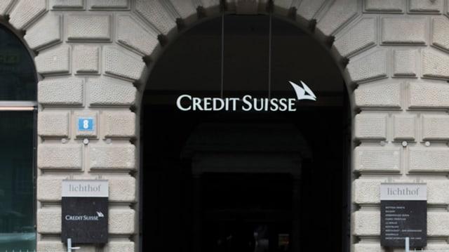 Il logo da la CS sin la Plazza federala Berna.