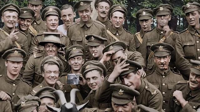 Gruppenbild britischer Soldaten während des Ersten Weltkriegs.