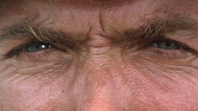 Nahaufnahme eines blauen Augenpaares