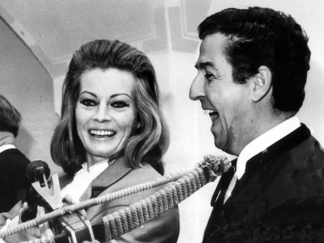 Vico Torriani mit Anita Elberg.