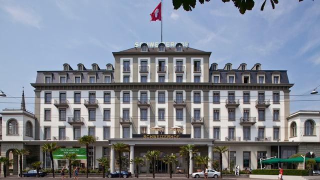 Hotel Schweizerhof von aussen.