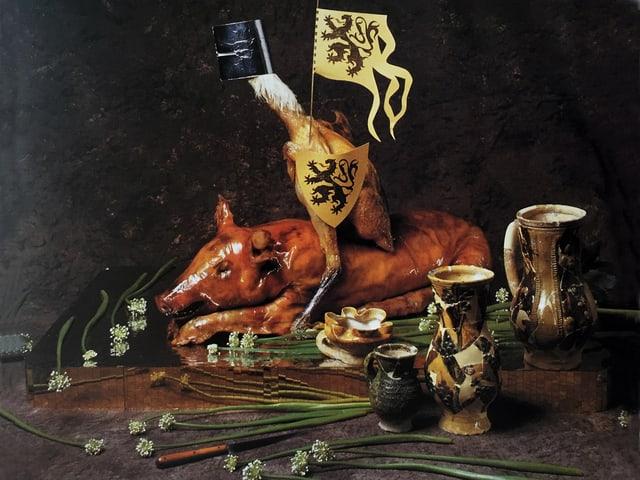 Gemälde eines als Ritter verkleideten Hahns.