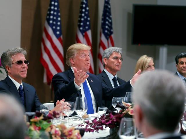Trump beim Essen.