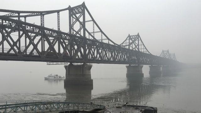 Die Brücke die Nordkorea mit China verbindet