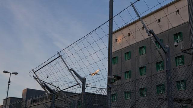 Das Flughafengefängnis in Kloten
