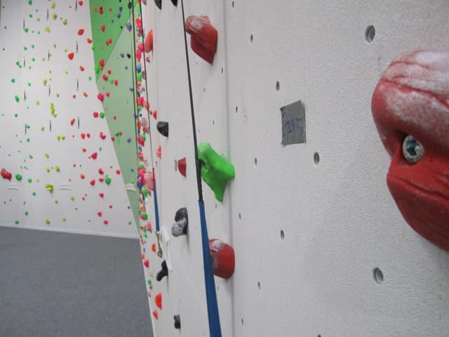 Auf 300 Routen die Wände hoch: Die Kletterer können unter verschiedenen Schwierigkeitsgraden auswählen.