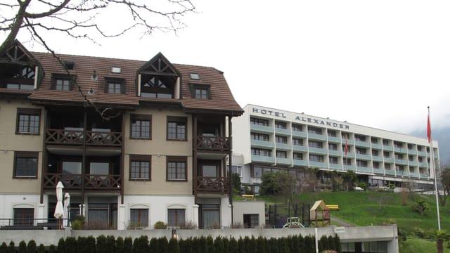 Blick auf die Hotels Gerbi und Alexander in Weggis.