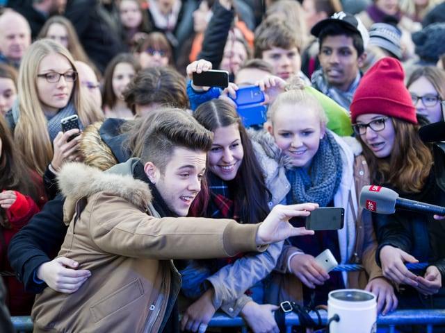 Selfies mit Luca Hänni