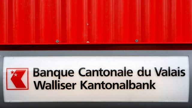 Auch die Walliser Kantonalbank beugt sich dem Druck der US-Justiz.