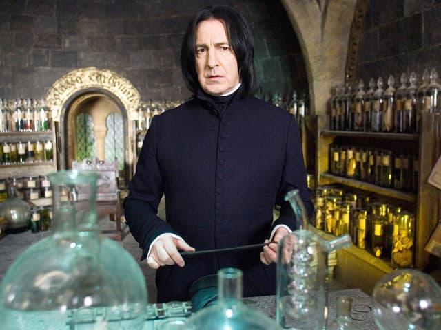 Severus Snape in seinem Labor