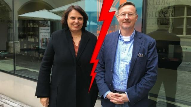 Bildmontage: Regierungspräsidentin Elisabeth Ackermann steht neben dem freigestellten Museumsdirektor Marc Fehlmann, zwischen ihnen ein Blitz.