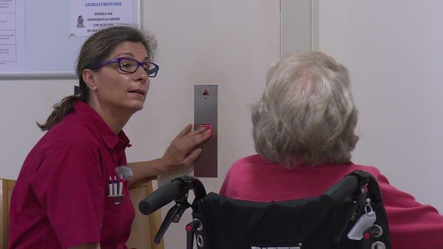 Lisa Araujo arbeitet als Pflegehelferin in einem Alters- und Pflegeheim in Ilanz.