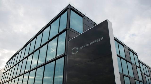 Purtret dal bajetg da Meyer Burger a Thun.