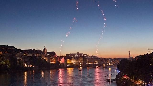 Bundesfeier am Rhein in Basel mit Feuerwerk