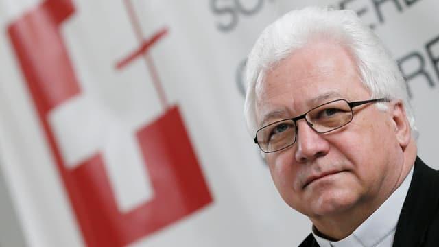 Porträt Bischof Markus Büchel.