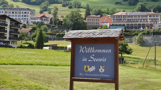 L'entrada dal vitg da Seewis.