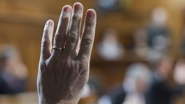 Hand im Ständerat