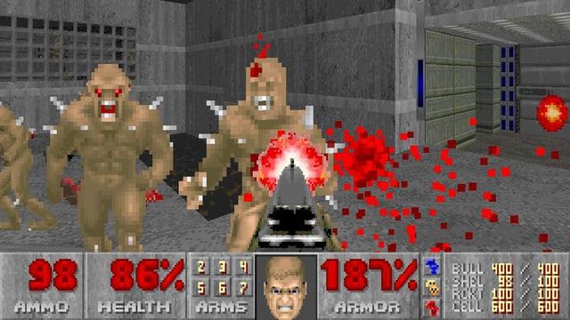 Eine Pistole schiesst auf pixelige Dämonen in einem grauen Korridor.