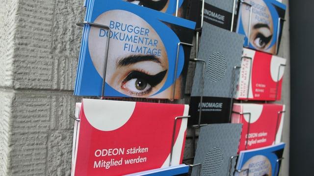 Postkartenständer Eingang