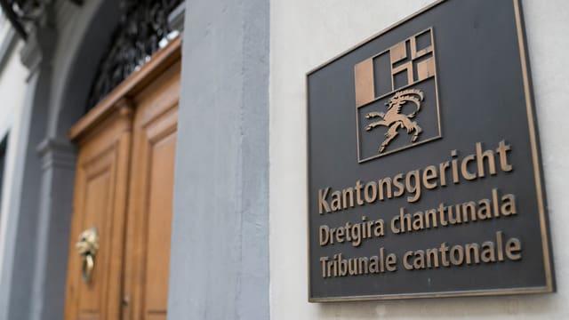 Schild vor Kantonsgericht